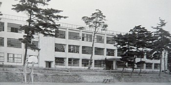 中高3階建て校舎の頃.jpg