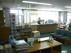 図書室 005-01.jpg