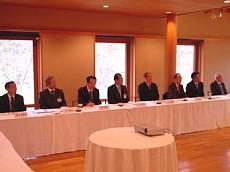 3月25日理事会にて2-1.jpg